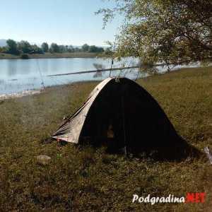 FOTO: Kampiranje i noćni ribolov na Buškom jezeru