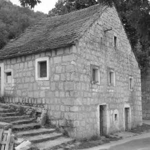 PROJEKT: Slike starih kuća
