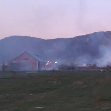 Požar u blizini asfaltne baze firme Livnoputovi